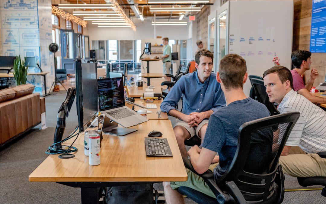 Les amitiés au bureau sont un avantage clé en milieu de travail